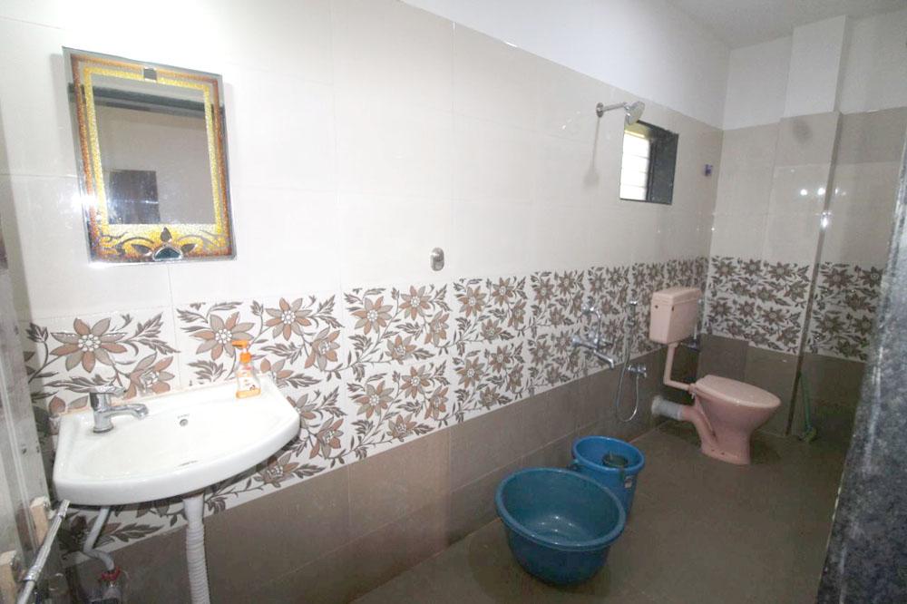 toilet bath