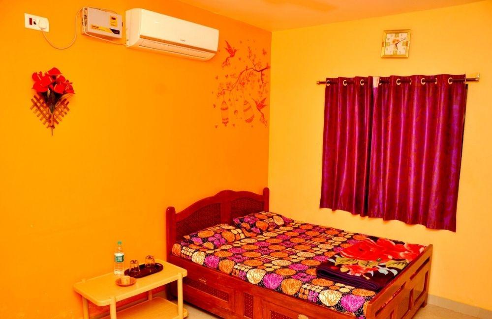 room booking in tarkarli