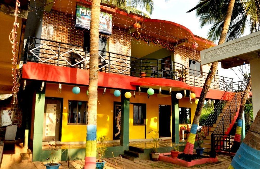 rooms exactely on tarkarli beach