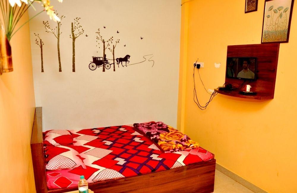 rooms near tarkarli beach